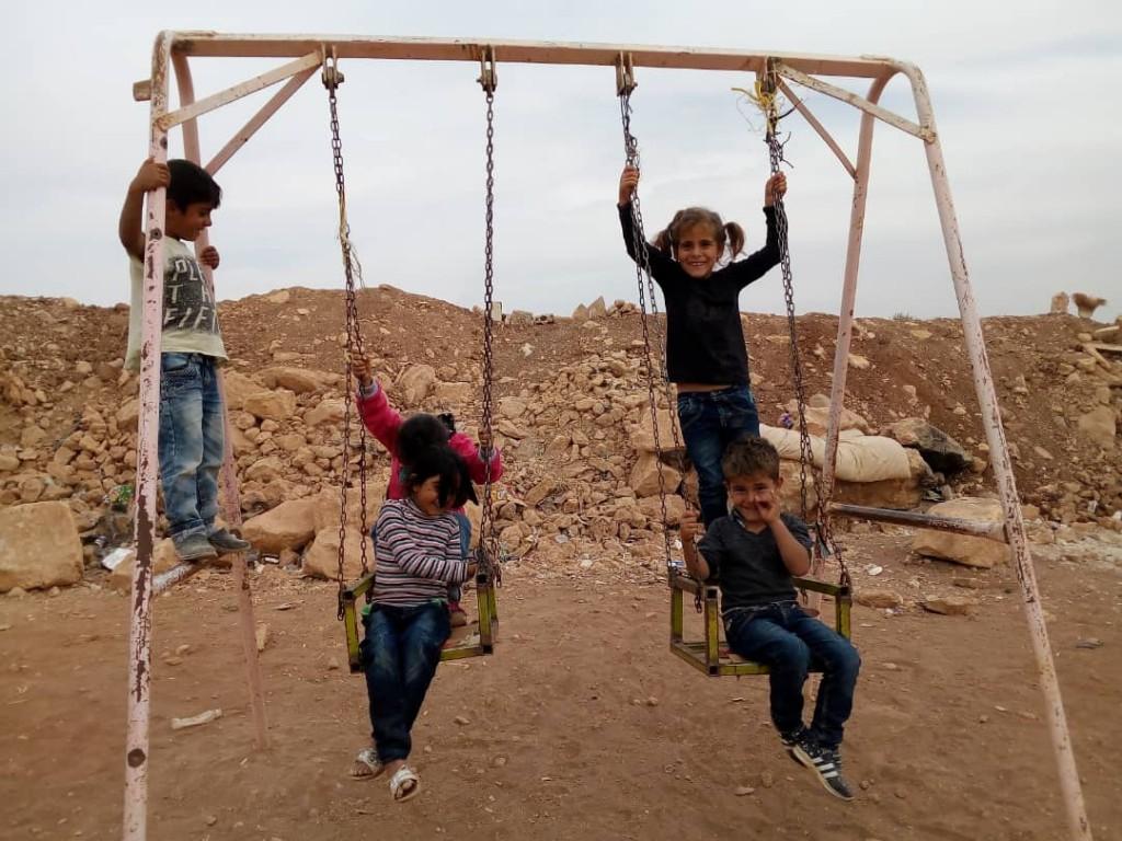 Bambini curdi nel campo profughi di Sabaha (Foto: Rossella Assanti)