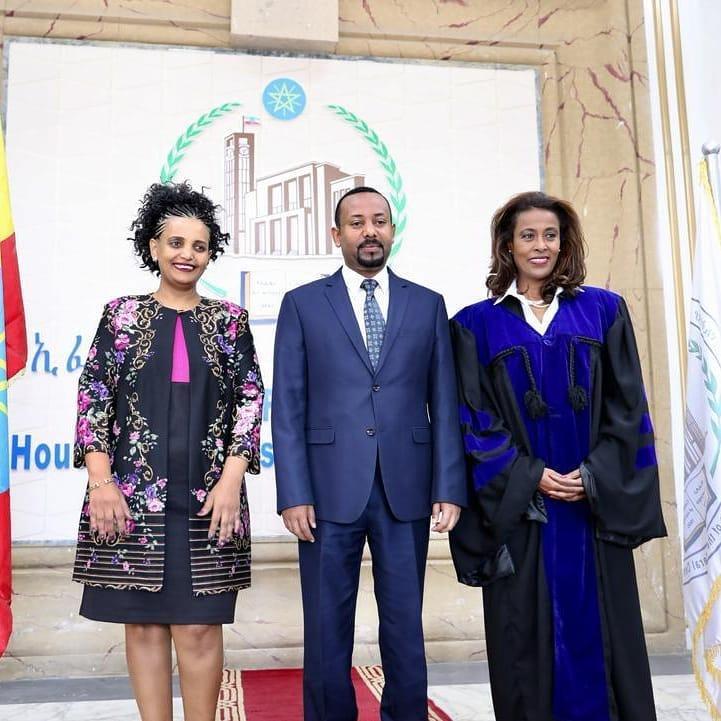 Birtukan Mideksa, a sinistra, accanto al premier etiope Ahmed (Foto: Ufficio del primo ministro)