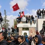 L'Fmi ordina i tagli, Tunisi obbedisce: è sciopero di massa