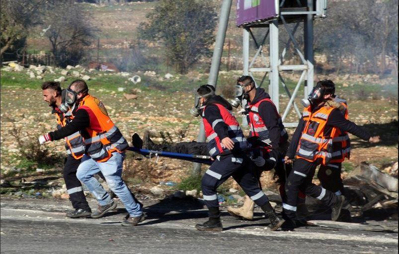 Un ragazzo palestinese ferito in Cisgiordania dall'esercito israeliano (Fonte: Twitter)