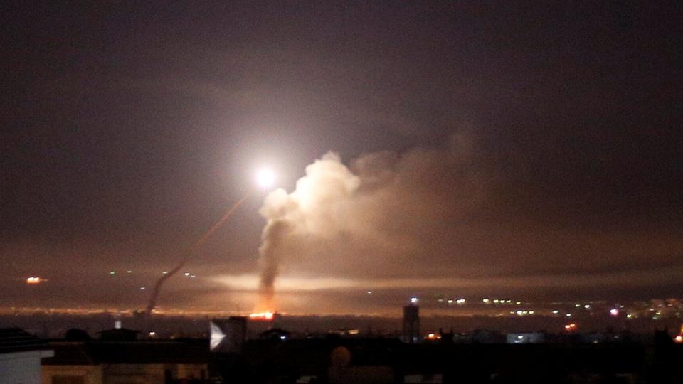 Raid sulla Siria attribuito ad Israele lo scorso maggio. (Foto: Reuters)