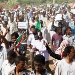 SUDAN. In piazza contro al-Bashir anche gli accademici