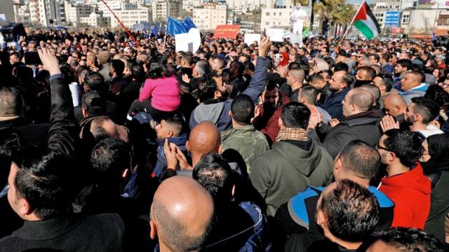 La manifestazione di ieri a Ramallah contro la riforma delle pensioni