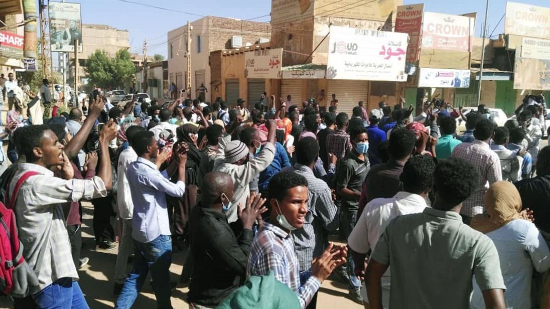 Protesta in Sudan (Fonte: Sky News)