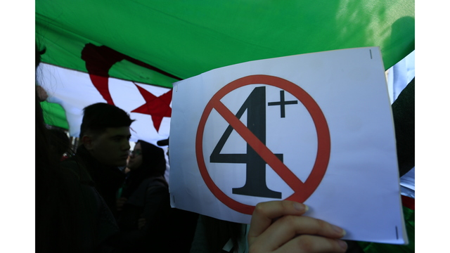 Proteste in Algeria contro il mandato esteso di Bouteflika