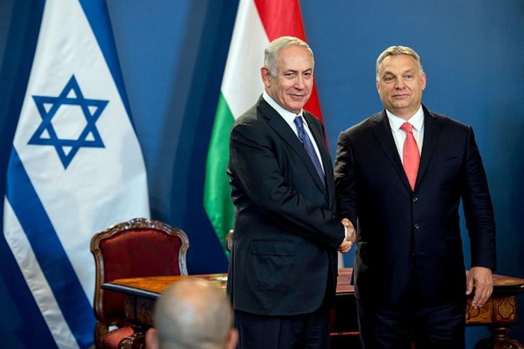 Il premier israeliano Netanyahu (sinistra) e la sua controparte ungherese Viktor Orban