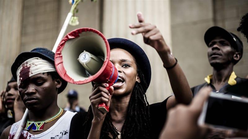 La protesta degli studenti in Sudafrica (Foto: Al Jazeera)