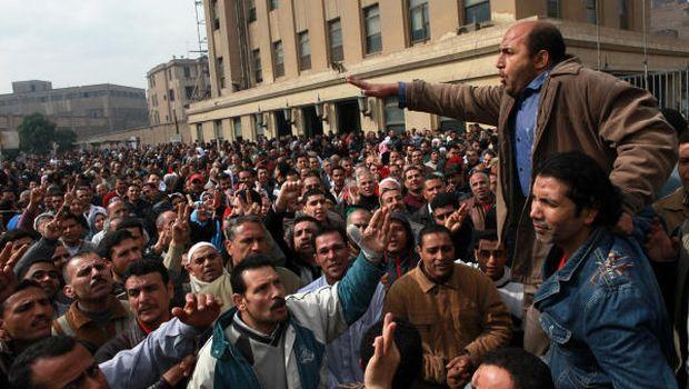 Protesta dei lavoratori a Mahalla al Kubra (Foto: Egyptian Streets)