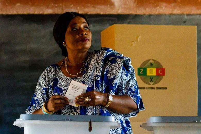 La first lady dello Zimbabwe Auxillia Mnangagwa