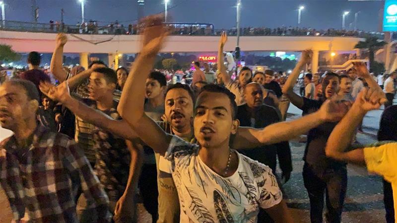 Piazza Tahrir, venerdì. (Fonte foto: Reuters/al-Jazeera)