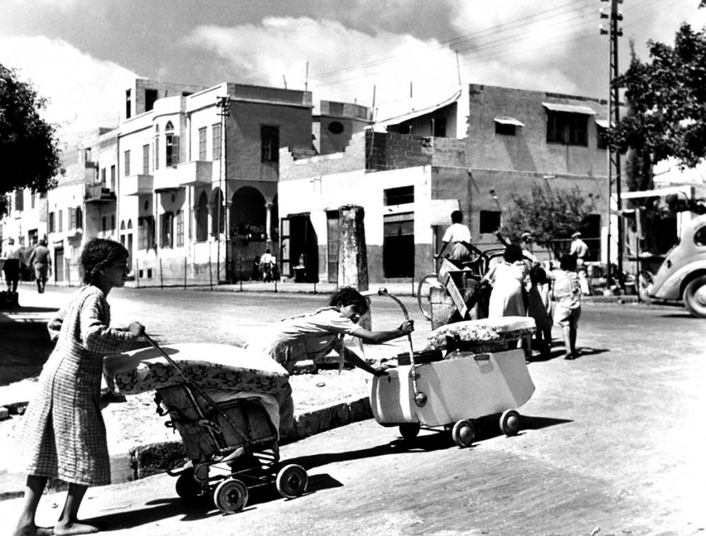 Famiglie palestinesi in fuga da Giaffa (Foto: Unrwa)