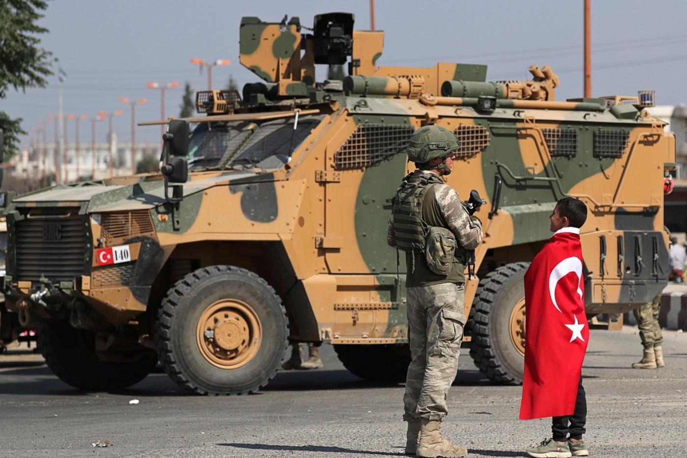 Tank turco a Tal Abyad. (Foto: Reuters)