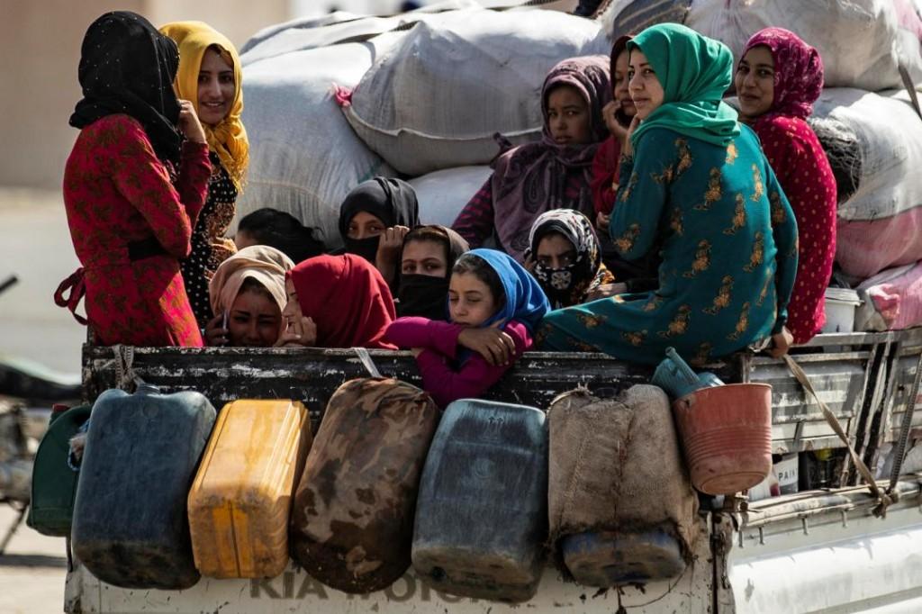 Sfollati nel nord della Siria verso Tel Temer (Foto: Unicef/Delil Souleiman)