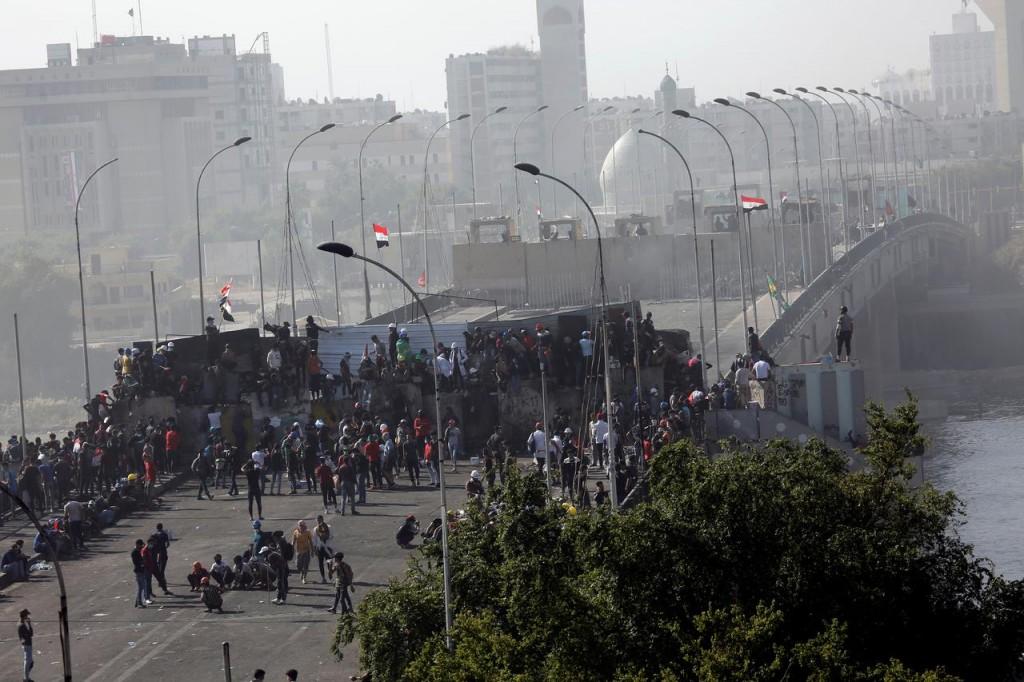 Il ponte Sinak di Baghdad (Foto: Reuters)