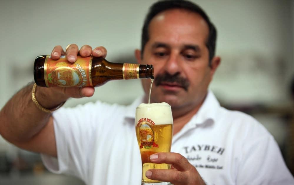 Nella fabbrica di birra Taybeh