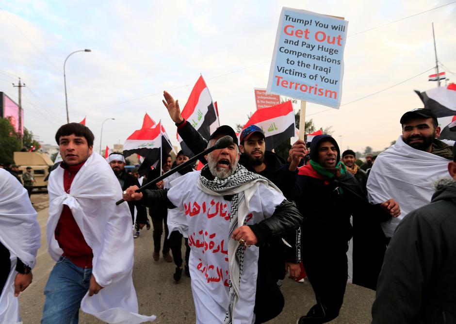 Manifestazione di ieri anti-Usa di al-Sadr in Iraq (Foto: Reuters)