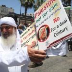 Trump svela il suo piano: a Israele Gerusalemme, Golan e i blocchi di colonie