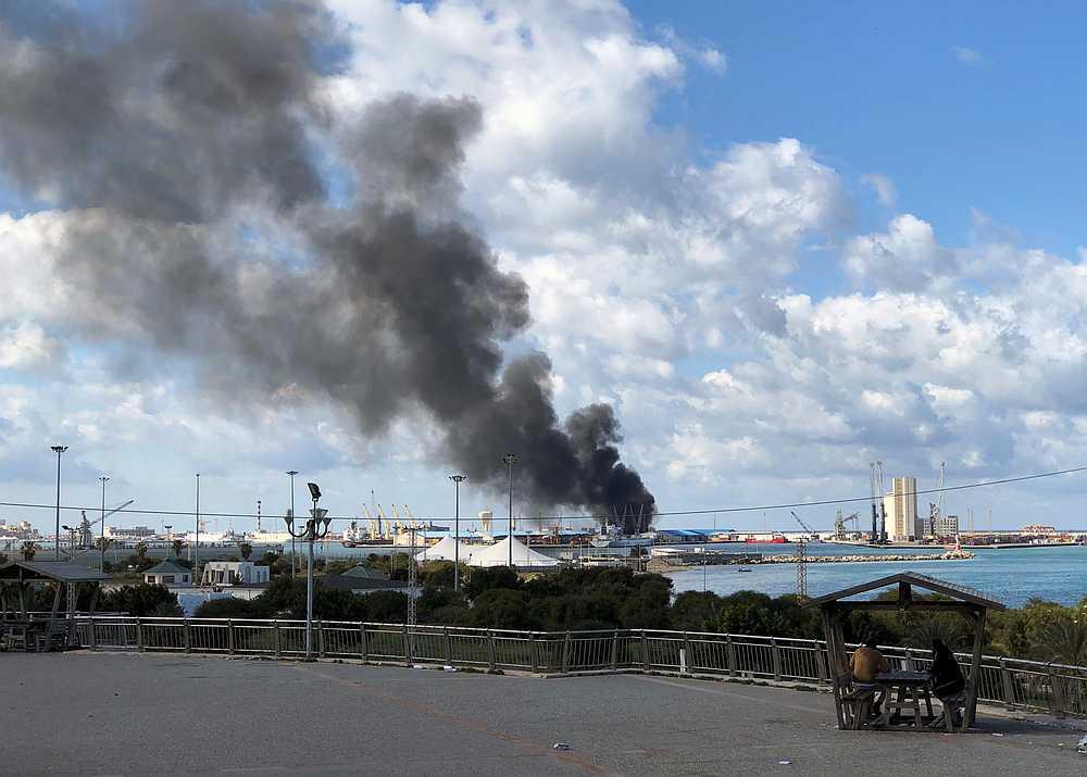 L'attacco di Haftar dell'altro giorno al porto di Tripoli (Foto: Reuters)