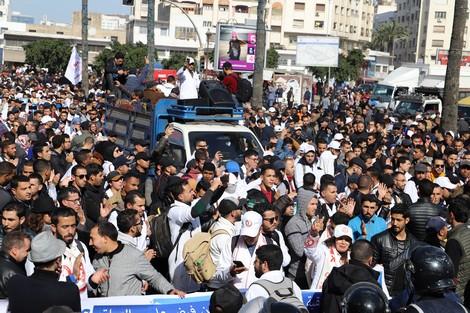 La protesta degli insegnanti di mercoledì 29 gennaio a Casablanca (Fonte: Hespress.com)