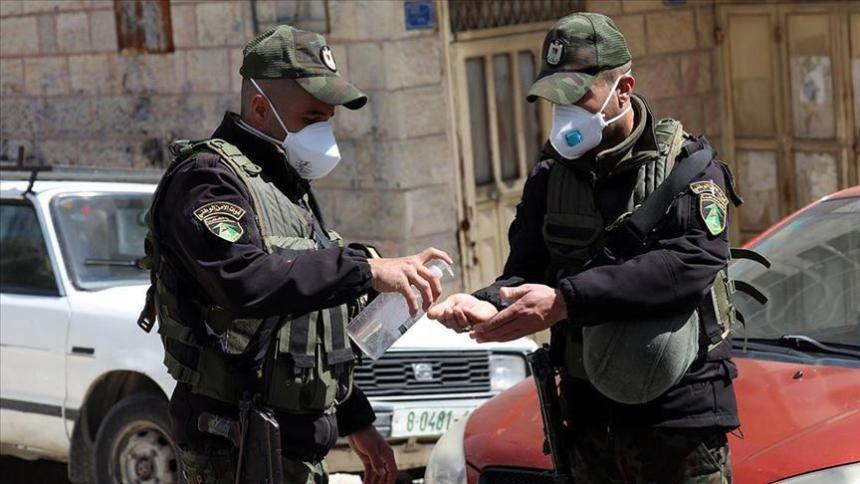 Agenti della polizia palestinese in Cisgiordania (foto Al Quds online)
