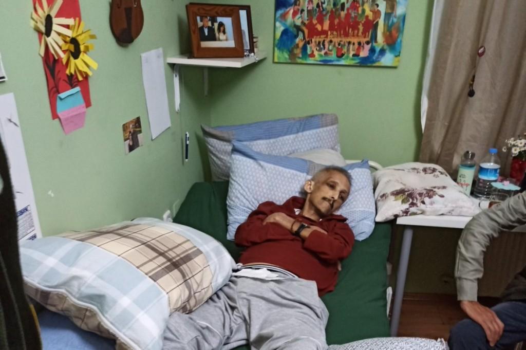 Il bassista del Grup Yorum, Ibrahim Gokcek, durante lo sciopero della fame durato quasi un anno