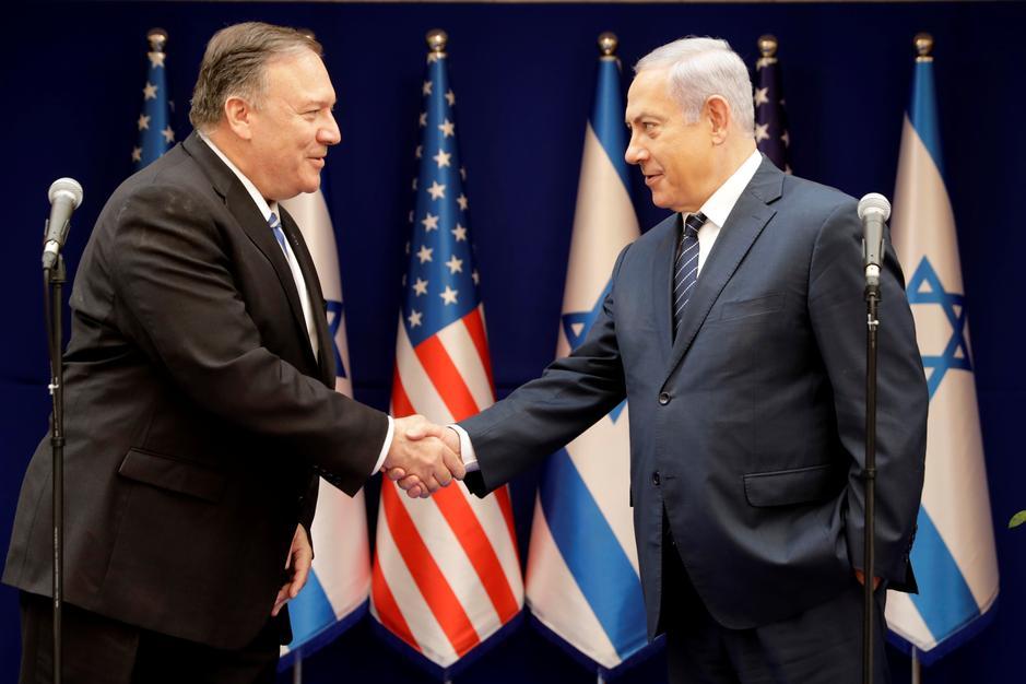 Da sinistra a destra: Il Segretario di Stato Pompeo e il premier israeliano Netanyahu (Foto: Reuters)