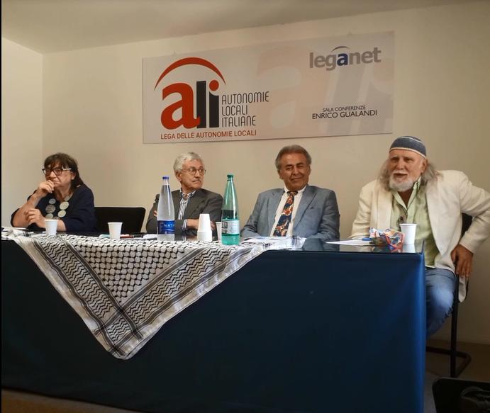 Luisa Morgantini, Massimo D'Alema, Yousef Salman e Moni Ovadia alla conferenza stampa per la mobilitazione del 27 giugno (Foto: Chiara Cruciati)