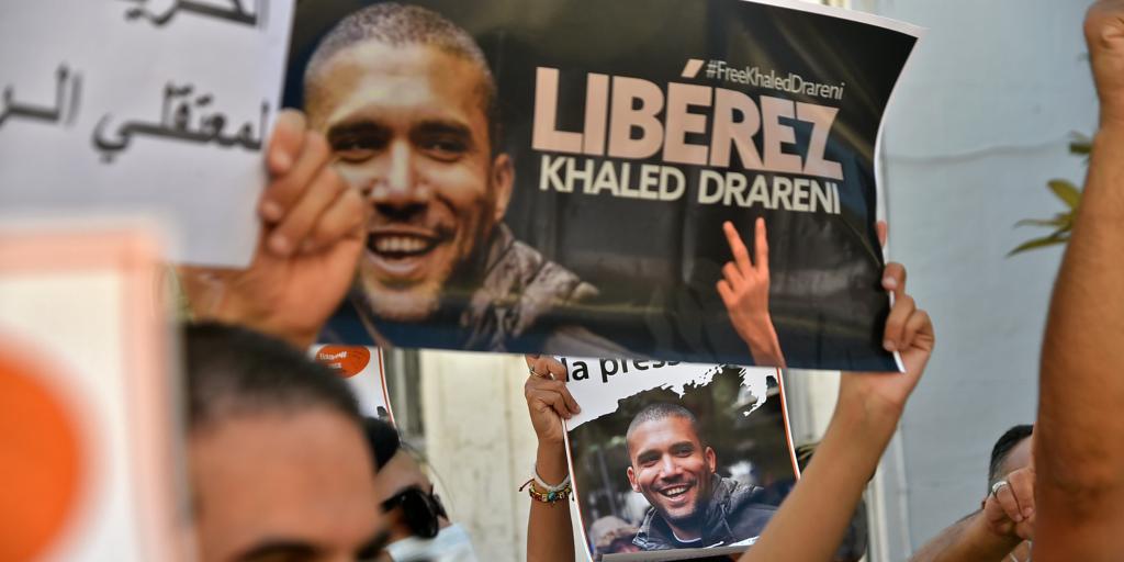 Una manifestazione per la liberazione di Khaled Drareni