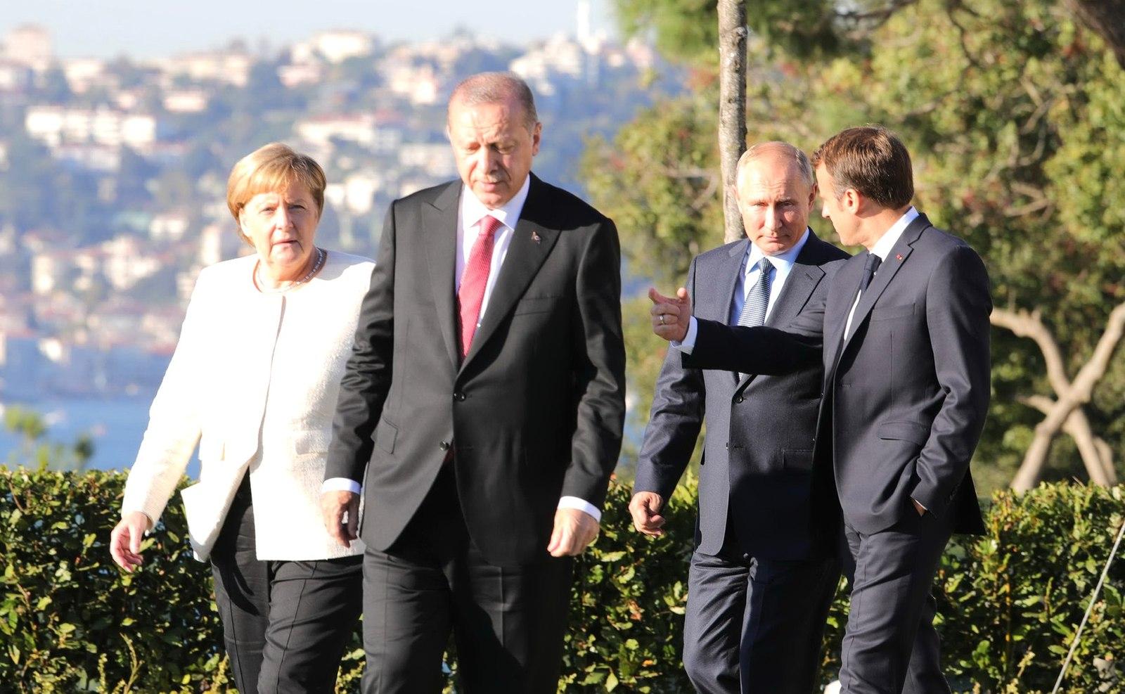 Merkel, Erdogan, Putin e Macron nel 2018 (Foto: Presidenza russa)