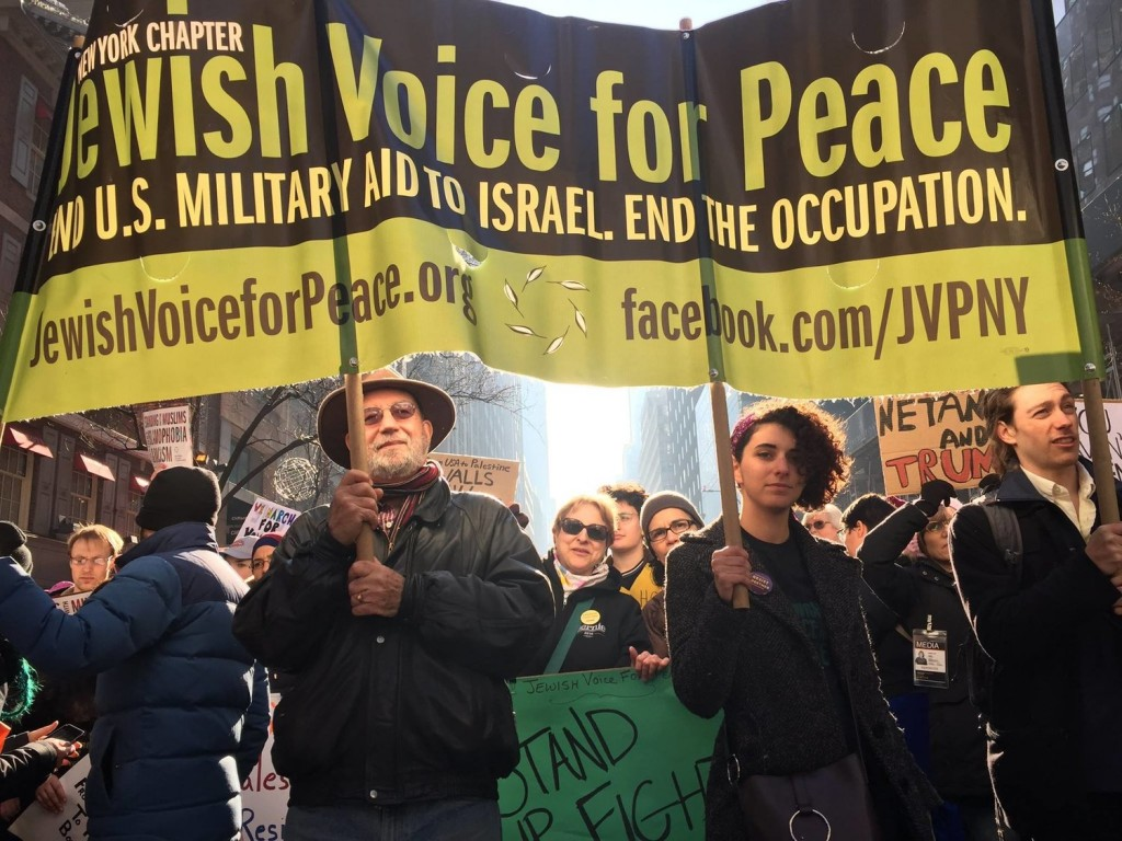 Una manifestazione di Jewish Voice for Peace a New York (Foto: Jvpny)