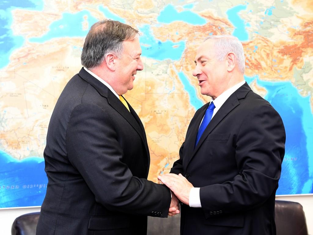 Mike Pompeo e Benjamin Netanyahu nel 2018 (Fonte: WIkiCommons)