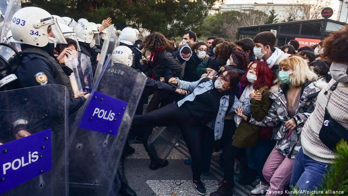 Protesta studenti turchi