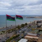 LIBIA. Spari sull'auto del super ministro libico Bashagha