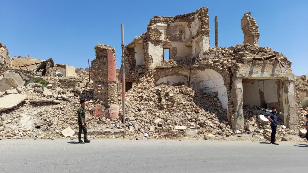 Le macerie nel centro storico di Shengal City (Foto: Chiara Cruciati)