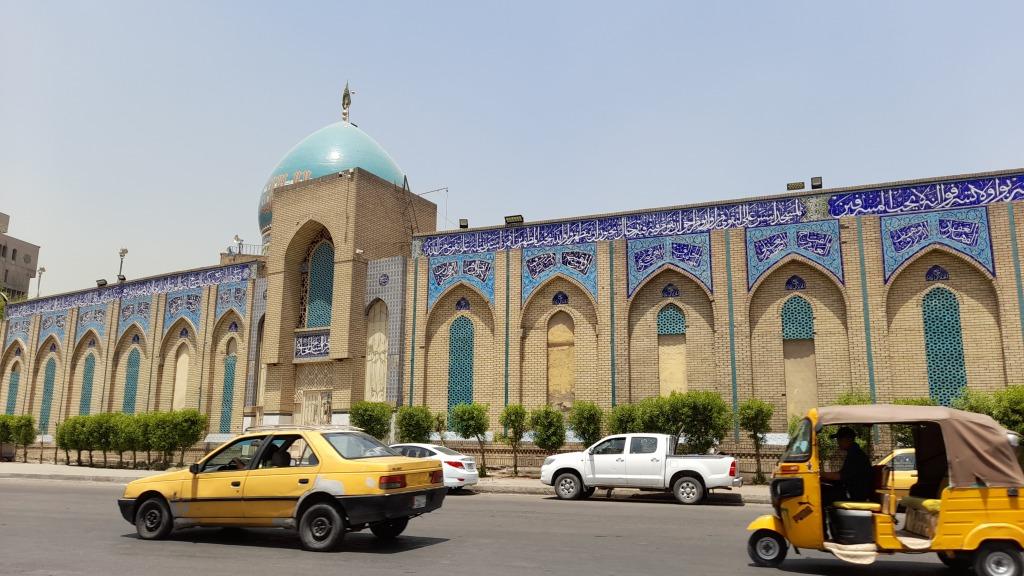 L'esterno della moschea di 'Abd al-Qadir al-Jilani (Foto: Chiara Cruciati)