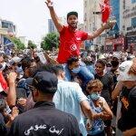 TUNISIA. Il presidente Saied dissolve parlamento e licenzia il premier